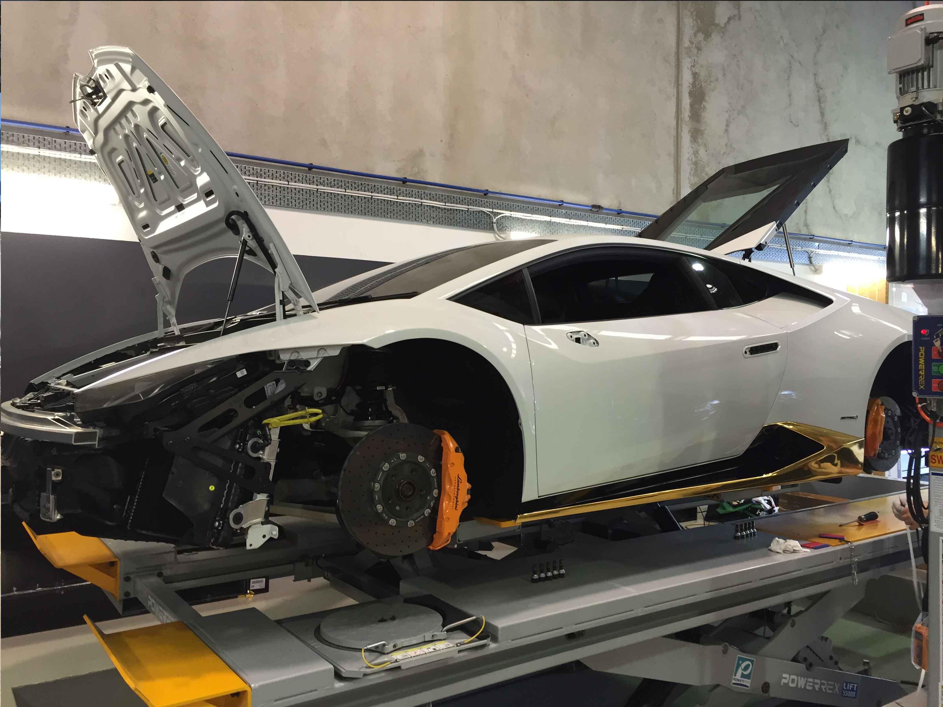 Gold Chrome Lamborghini Huracan