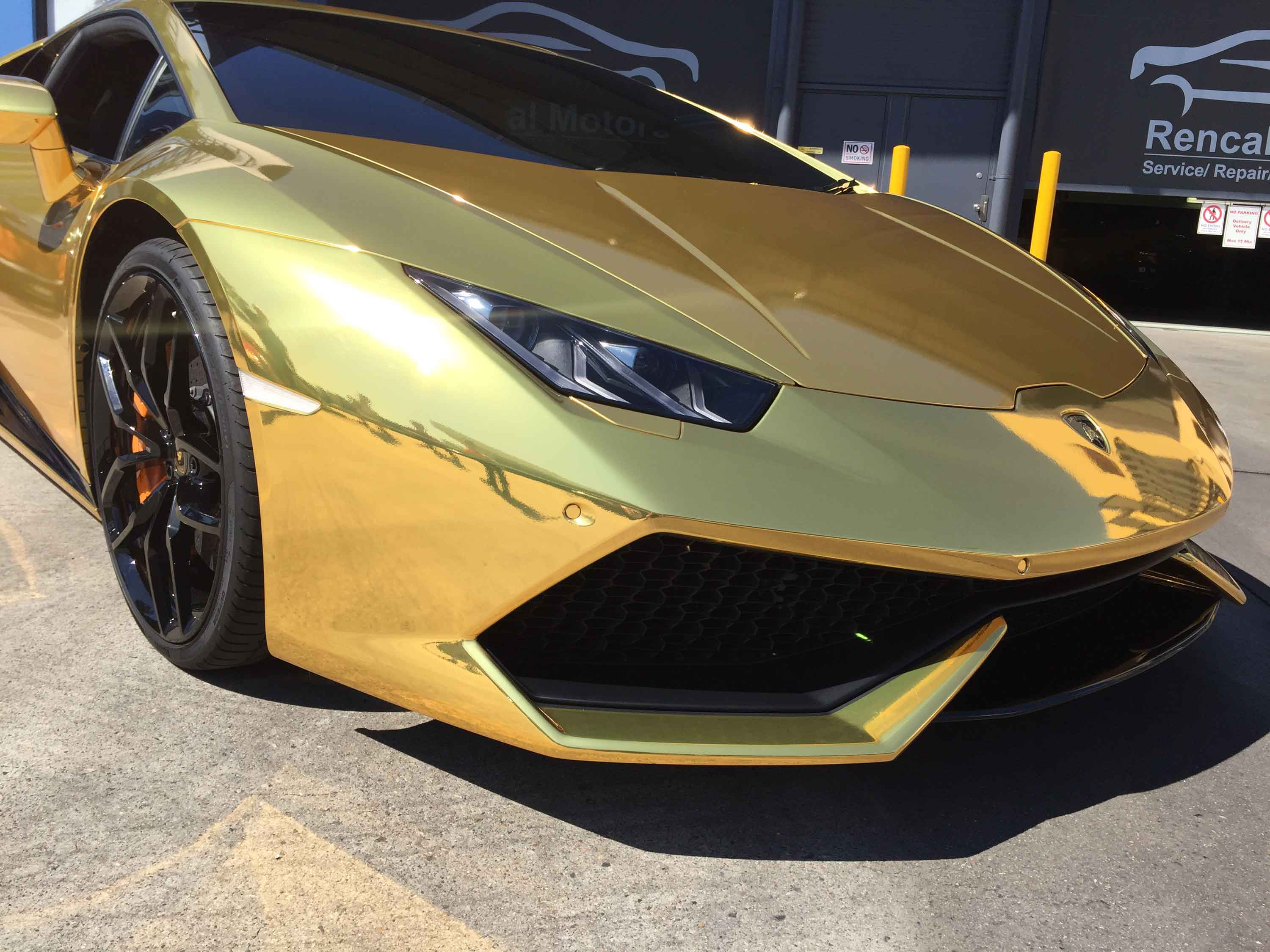 Gold Chrome Lamborghini Huracan